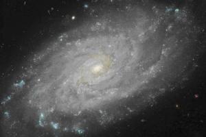 xx004_NGC3370_HST